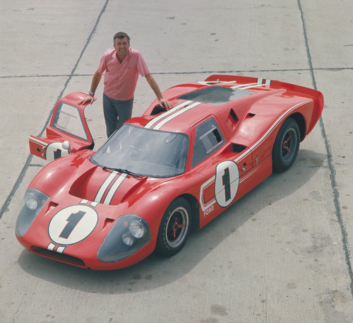 Caroll Shelby am Ford GT40 in Le Mans 1967.