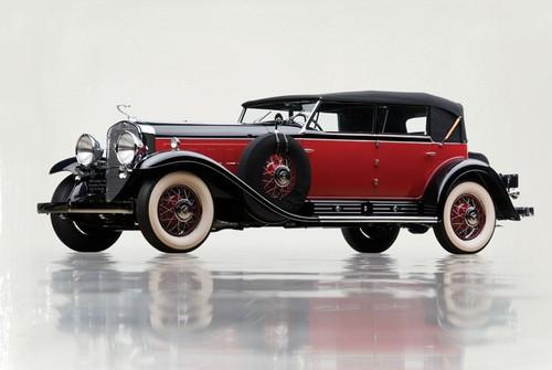 Cadillac V16 Convertible Sedan (1930).