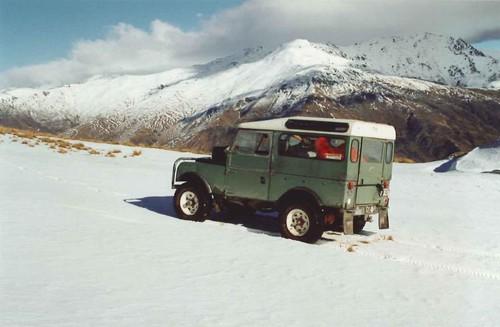 Nach 15 Jahren und vielen Abenteuern hatten vier neuseeländische Studienfreunde ihren Land Rover Series I (1957) schweren Herzens versteiegrt.
