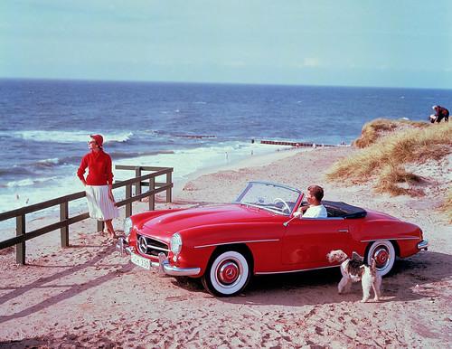 Mercedes-Benz 190 SL (W 121, 1955 bis 1963). Zeitgenössisches Werbefoto aus den 1950er-Jahren auf der Insel Sylt.
