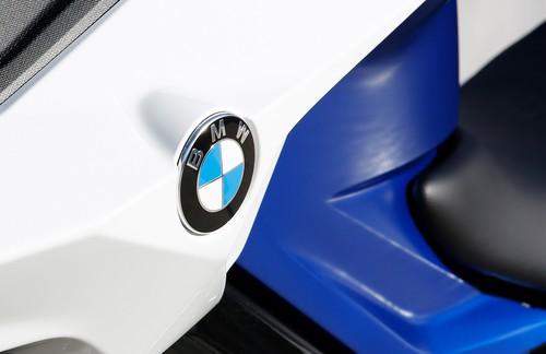 bmw und alpinestars entwickeln airbag jacke auto. Black Bedroom Furniture Sets. Home Design Ideas