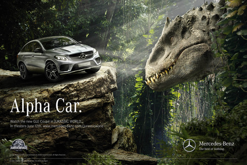"""Anzeigenmotiv von Mercedes-Benz zu """"Jurassic World""""."""
