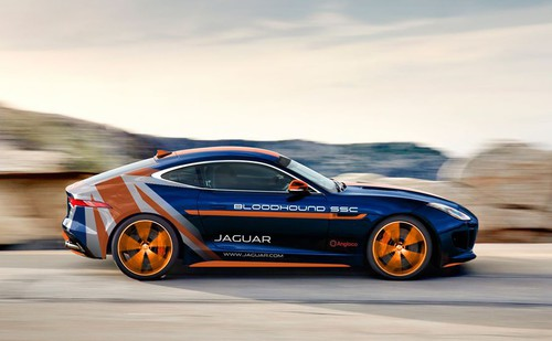 Jaguar F-Type R AWD für Bloodhound-Team.