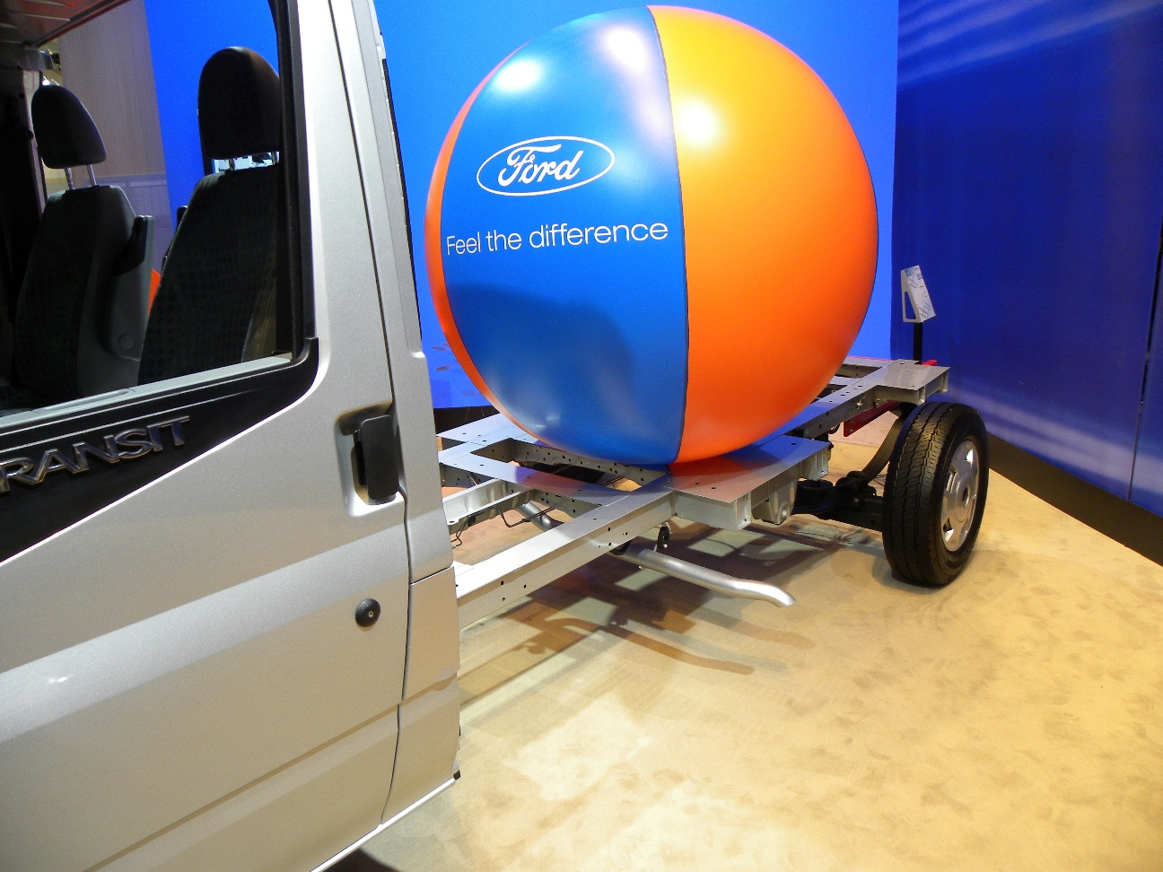Caravan-Salon 2010: Ford mit Tiefrahmen-Fahrgestell - Auto ...