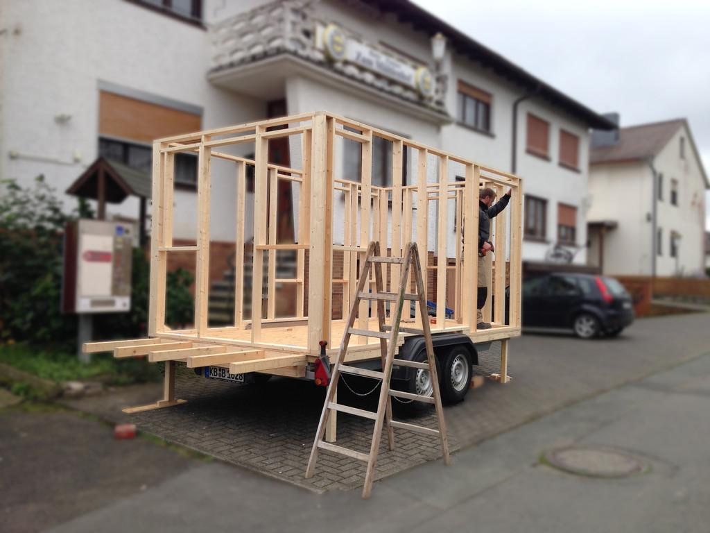 Tiny House: Acht Quadratmeter Wohn(t)raum auf Rädern - Auto ...