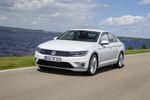 VW Passat GTE: Trotz großer Batterie kein Schwergewicht