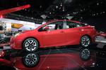 Los Angeles 2015: Dem Toyota Prius reichen drei Liter