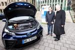 Erster Toyota Mirai in Deutschland übergeben