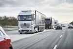 Truck Platooning: Vernetzte Lastwagen rollen in die Zukunft