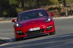 Qatar Motor Show 2012: Porsche präsentiert Panamera GTS