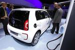 Der Volkswagen E-Up stromert jetzt ab 26 900 Euro