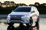 Paris 2014: Mitsubishi schärft den Plug-in Hybrid Outlander nach
