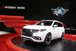 Paris 2014: Mitsubishi veredelt den Plug-in Hybrid Outlander
