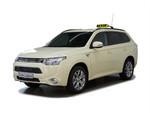 Mitsubishi Plug-in Hybrid Outlander als Taxi und Mietwagen