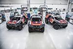 Peugeot-Total-Team auf dem Weg zur Rallye Dakar