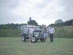 Vier Freunde und ein Land Rover von 1957
