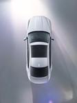Jaguar XF wird auf dem Hochseil präsentiert