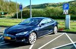 Tesla modernisiert Autopilot-Funktionen beim Model S