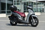 Kymco New People S 300i.