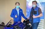 Yamaha und Hertrampf Racing gemeinsam in der IDM am Start (v.l.): Country Manager Marcel Driessen und Geschäftsführer Denis Hertrampf vereinbarten die Zusammenarbeit.